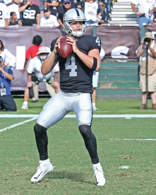 image of Derek Carr Oakland Raiders