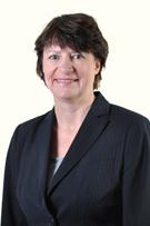 Ms Julie Leslie  photo