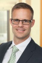 Dr Nils Rauer  photo