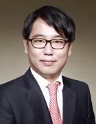 Mr Si Young Jang  photo