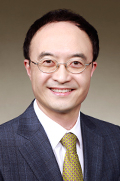 Mr Yong Woo Lee  photo