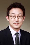 Mr Yong Jin Park  photo