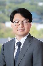 Hyun Wook Shin  photo