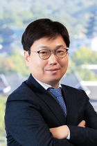 Yunbak Chung  photo