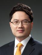 Mr Sung Hyun Ryoo  photo