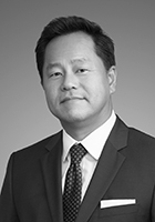 Mr Seong Kim  photo